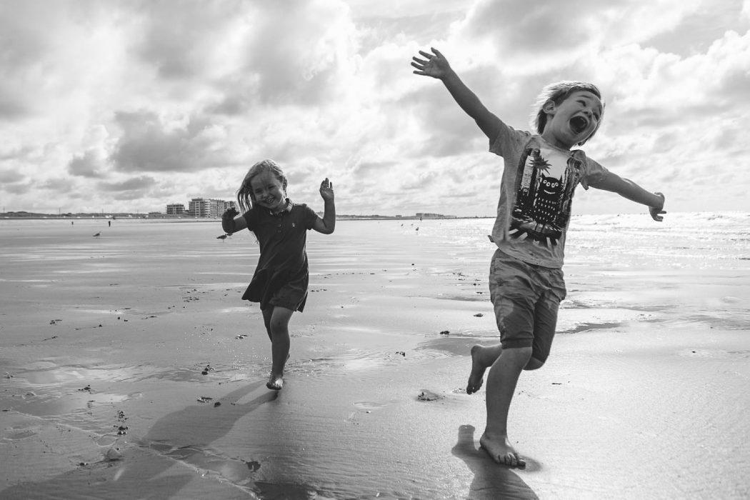 fotoshoot aan zee Oostende belgische kust fotograaf kinderen