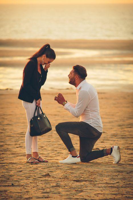 fotoshoot aan zee Oostende belgische kust fotograaf verloving
