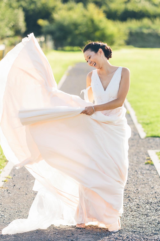 huwelijk bruidskleed zwaaien