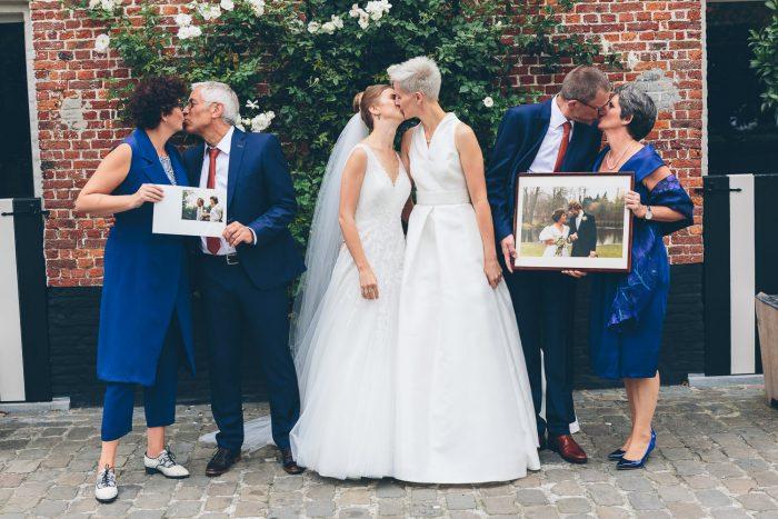 familiefoto holebi huwelijk kasteel rozelaar lochristi ceremonie